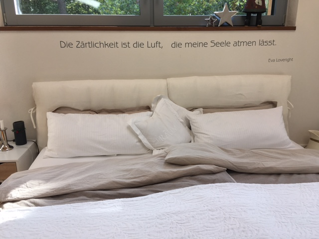 Silbensalon Schlafzimmertattoo