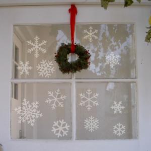 Schneeflöckchen zum Aufkleben auf Fenster und Wände